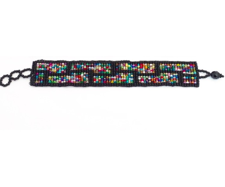 Armband av små glaspärlor, olika färger, längd kan varieras. Fair Trade från Guatemala.