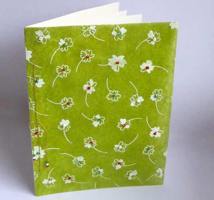 Brevkort m kuvert, handgjort, pärlor: grönt