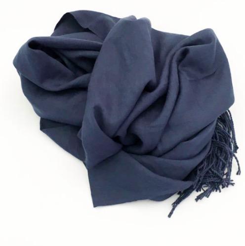 Sjal, scarf, viskos, marinblå, med fransar