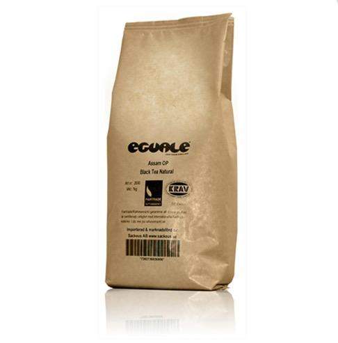Eguale Assam, svart lös te, är kraftigt, välbalanserat och har fin färg. Storförpackning. Ekologiskt & Fairtrade.
