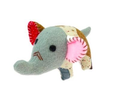 FUNimal mini elefant, maskot, tur-elefant. Present till elefantälskare. Patchwork, 14 cm lång. Nook-Nook Thailand.