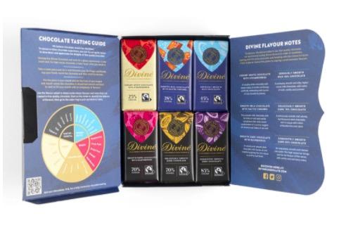 12 små Divine-chokladkakor i 6 olika sorter. Presentförpackning eller prova-på! Med information inuti omslaget. Fairtrade.