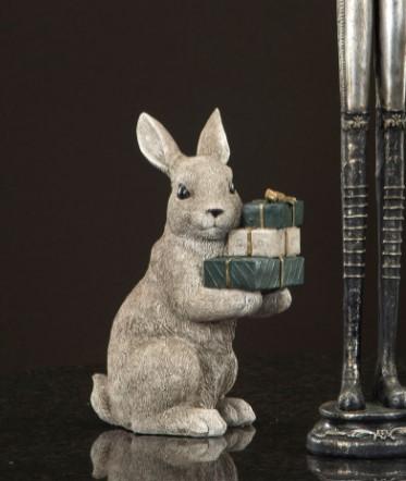 Kanin Sittande med Paket- H 25 cm